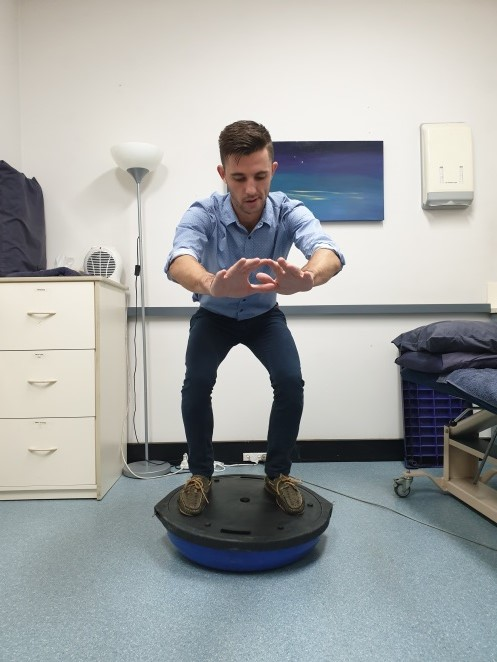 Markus Balancing Squat